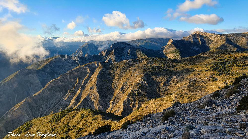 Mountain views from Pico del Cielo at sunset