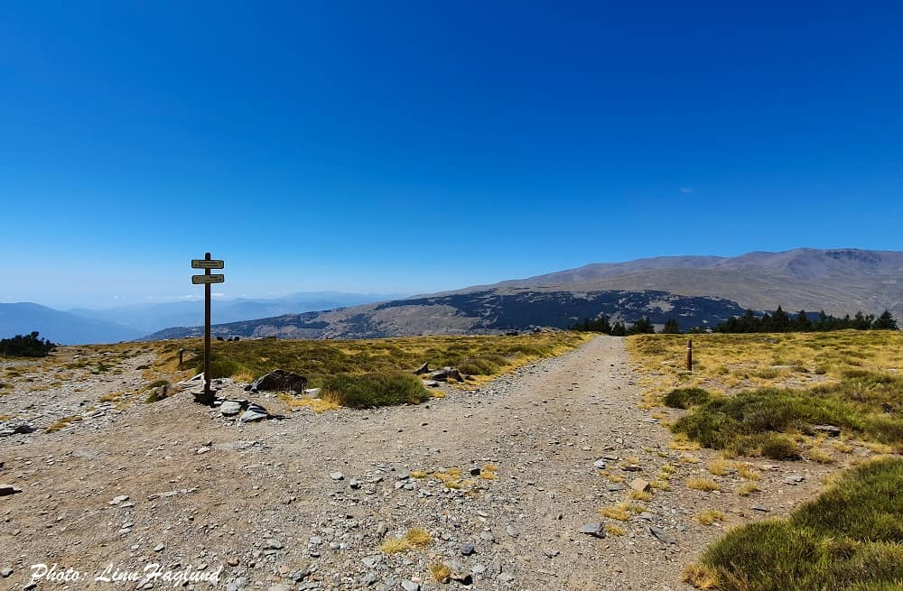 Continue straight in the first junction towards Poqueira
